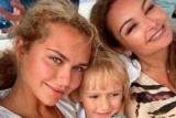 Стефания Маликова с семьей отдыхает на Средиземном море и публикует новые фото младшего брата