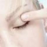 Правильно ухаживайте за кожей вокруг глаз