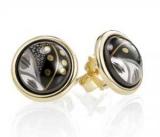 Золотой гвоздик в ухо: ювелирные изделия ударение в индивидуальном имидже